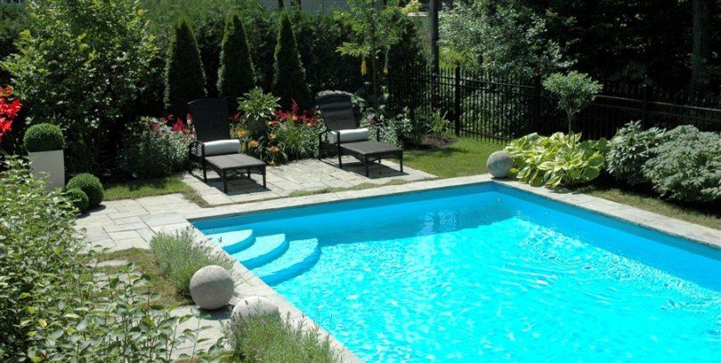 Choisir la bonne piscine pour votre jardin for Decoration exterieur pour piscine
